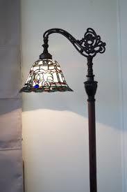 Tiffany Style Lamp Shades by Elegant Tiffany Style Floor Lamps