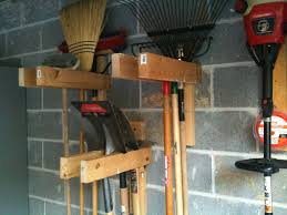 Rubbermaid Shed Tool Hangers by Best 25 Garden Tool Organization Ideas On Pinterest Tool Rack