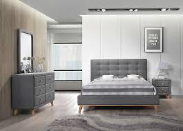 schlafzimmer set bett nachttisch spiegel und kommode in