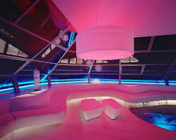 pink und blau beleuchtetes bild kaufen 12426264