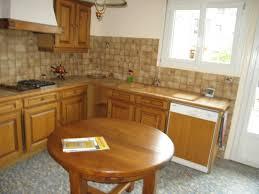 refaire la cuisine refaire cuisine locataire sa une soi meme armoire en bois et salle