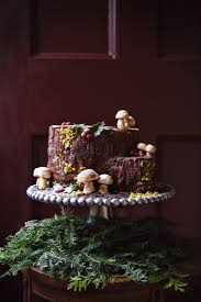Christmas Tree Meringue Cake by Tree Stump Cake Literally An Upended Yule Log Recipe