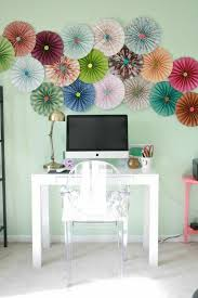 Diy Deco Apartment Wall Decor With Flowers For The Spring