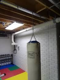 Punching Bag Ceiling Mount Walmart by Best Way To Hang A Heavy Bag In Your Home When Your Finished You