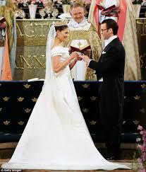 Royal Wedding Themes4
