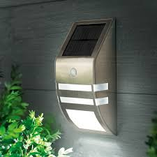 Garden & Outdoor Solar Lighting