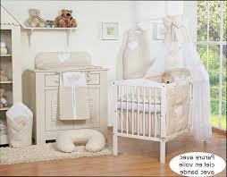 chambre bébé beige chambre bebe beige galerie avec chambre fille bebe blanc des photos