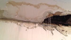 Bathtub Drain Leaking Under House by Latest Bathroom Tub Leaking Through Ceiling 66 For Adding Home