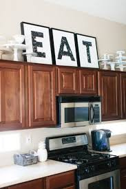 Kitchen Soffit Decorating Ideas by Best 25 Above Cabinet Decor Ideas On Pinterest Above Kitchen