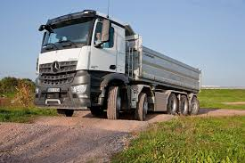100 Truck Axles MercedesBenz Arocs Now Available With Five Glorious