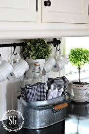 Kitchen Countertop Decorative Accessories by How To Accessorize A Kitchen Counter Kitchen Countertop Decorative