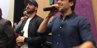 Videos Photo Sebastian Stan And Chris Evans Surprise Fans In Phoenix