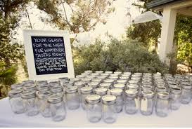 7 Ways To Use Mason Jars For Your Wedding