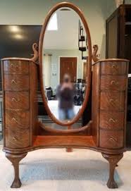 Tiger Oak Serpentine Dresser by How To Tell The Difference Between Wood Types In Antique Furniture