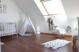 fauteuil adulte pour chambre bébé girlystan room tour la chambre de noah à ses 1 an