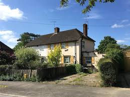 100 Oxted Houses For Sale Pollards Oak Crescent Hurst Green Surrey RH8 3 Bed Semi