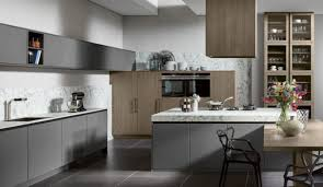 küche in grau diese küchenfarbe liegt voll im trend