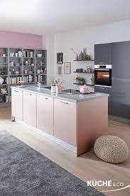 küche mit kochinsel trend küche in quarz grau hochglanz