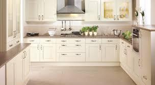 küche in vanille inspirationen moderne accessoires und