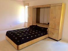 Henredon Bedroom Set by Pair Henredon Scene 2 Burled Wood Benches Side Tables Biedermeier