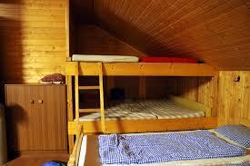 Schlafzimmer In Dachschrã Hochbett In Einer Dachschräge So Funktioniert S