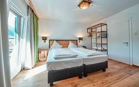 schlafzimmer aus zirbenholz glemmart