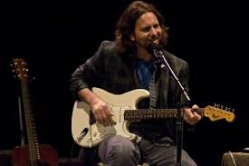 eddie vedder chicago solo shows recap with set lists 8 21 and 8