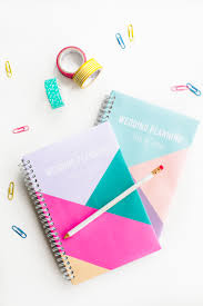2 FREE PRINTABLE NOTEBOOK COVERS TO HELP YOU PLAN YOUR WEDDING LIKE A BOSS