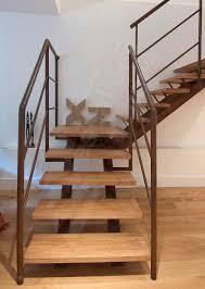 escalier quart tournant marche en bois structure en métal