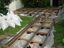 plot reglable pour terrasse bois construire une terrasse en bois sur terre