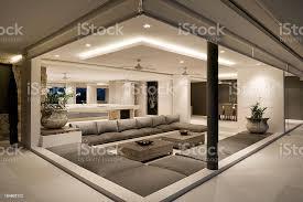 moderne wohnzimmer der villa stockfoto und mehr bilder architektur