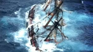 superstorm sandy 2012 hurricane sinks hms bounty 14 rescued from