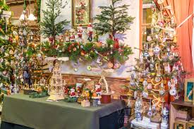 Qvc Christmas Trees In July by Vaillancourt Folk Art U0027s Annual Decorative Themes
