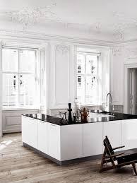 cuisine centre cuisine en u blanc satiné
