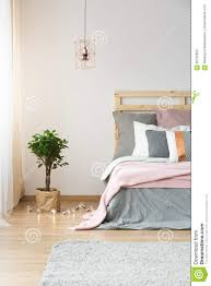 moderne dekoration im schlafzimmer stockbild bild