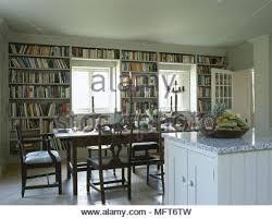 Mountain Kitchen Interior Landhausstil Küche Küche Im Landhausstil Und Essbereich Eines Suburban Home
