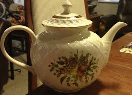 Spode Christmas Tree Teapot by Lenox Holiday Tartan Carved Teapot Dinension Collection Fine
