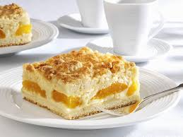 vanilla pudding cake with apricots