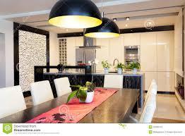 städtische wohnung küche mit steinwand stockfoto bild