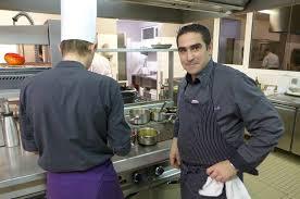 julien cuisine julien marseault en cuisine à la table du château de