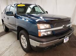 100 Truck Country Davenport Ia PreOwned 2005 Chevrolet Avalanche Z71 Crew Cab Pickup In