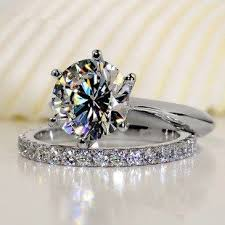 9 best Romantic 2 carat Round Shaped Synthetic Diamond Wedding Rings