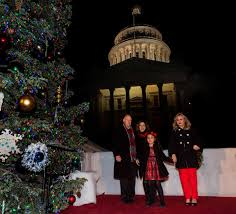Jerry Brown And First Lady Anne Gust With Sofia Garcia Her Mother At The Capitol Christmas Tree Lighting Ceremony In Sacramento Calif