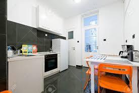 küche und esszimmer in kleine wohnung