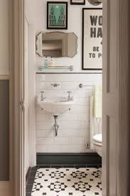 Small Half Bathroom Decor by Best 25 Small Vintage Bathroom Ideas On Pinterest Half Bathroom