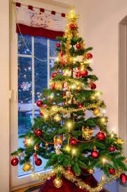Bethlehem Lights Christmas Trees Troubleshooting by Tips And Tricks To Fix A Leaning Christmas Tree Ebay