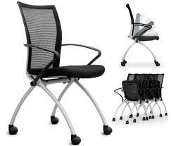 chaise de roulettes chaise empilable austria sur roulettes assise rabattable