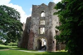 housse siege auto castle laugharne castle south wales castles forts and battles