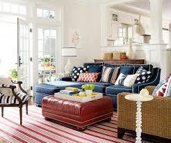 coussins canape canapé bleu et coussins à pois blancs à voir