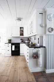 Full Size Of Countertops Backsplash Mesmerizing White Country Kitchens Unfinished Wooden Flooring